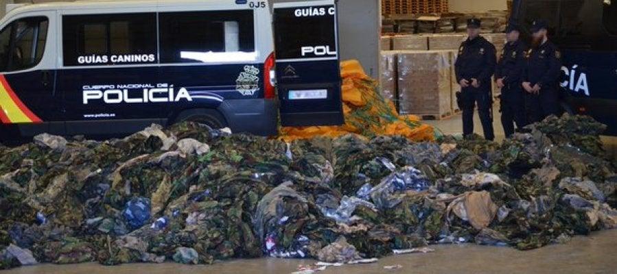 Policía interviene 20.000 uniforme para DAESH