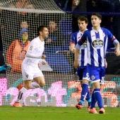 Charles celebra un gol en Riazor