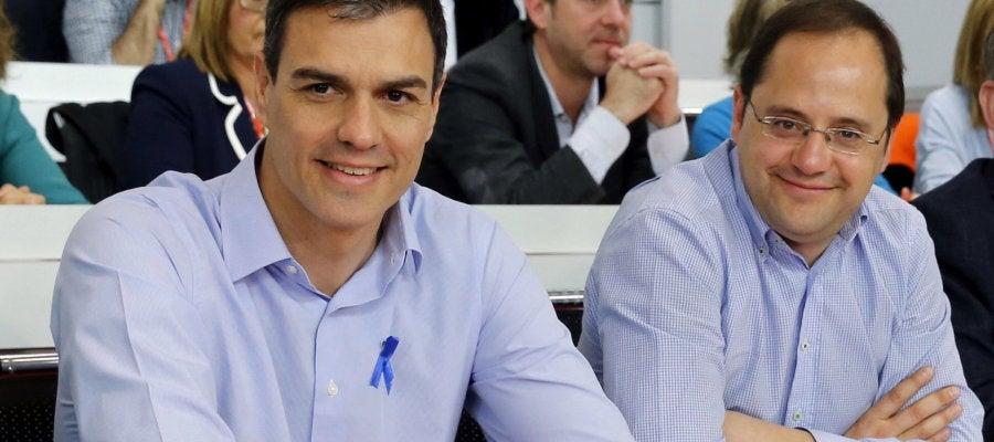 Pedro Sánchez y César Luena, en el Comité Federal del PSOE