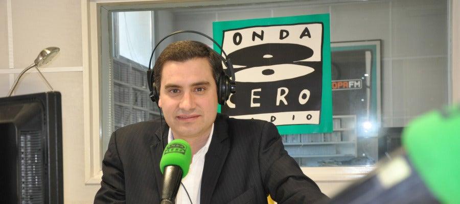 Presenta y dirige 'Cantabria en la Onda'