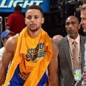 Stephen Curry junto a Steve Kerr
