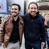 Alberto Garzón y Pablo Iglesias, tras la firma del preacuerdo