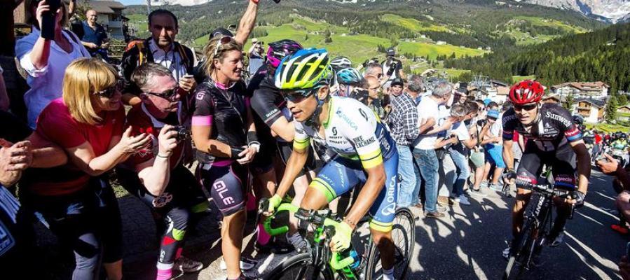 Esteban Chaves gana la etapa número 14 del Giro de Italia