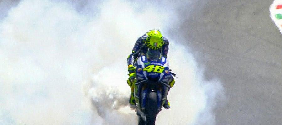 Rossi rompe el motor en el GP de Italia