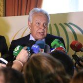 Felipe González tras una conferencia en la Casa de América