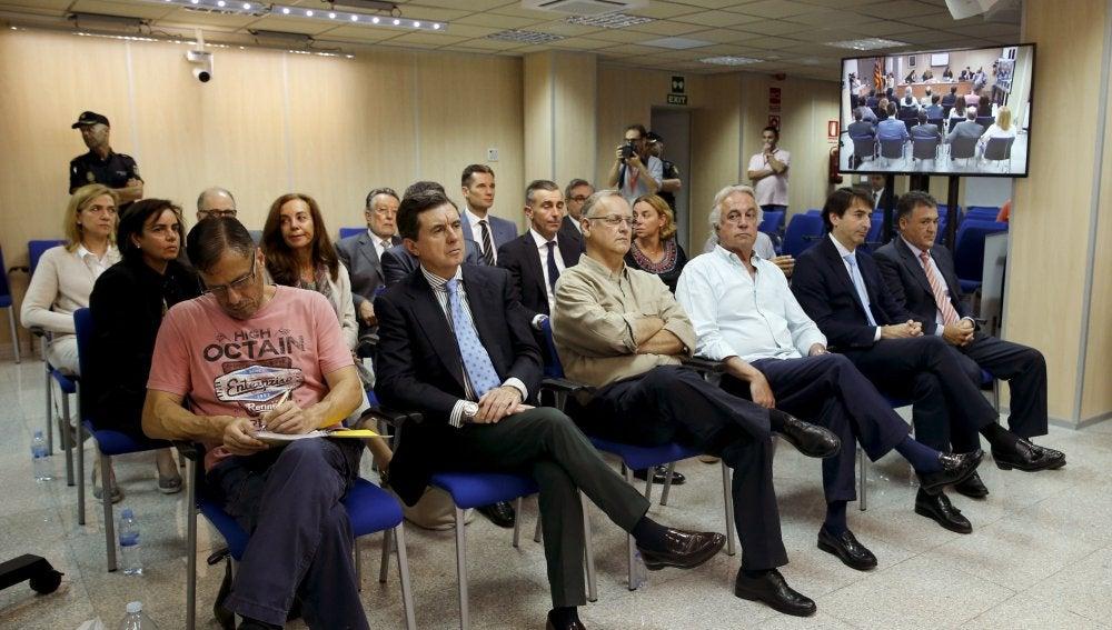 La infanta Cristina, Iñaki Urdangarin y el expresidente balear, Jaume Matas, entre otros acusados
