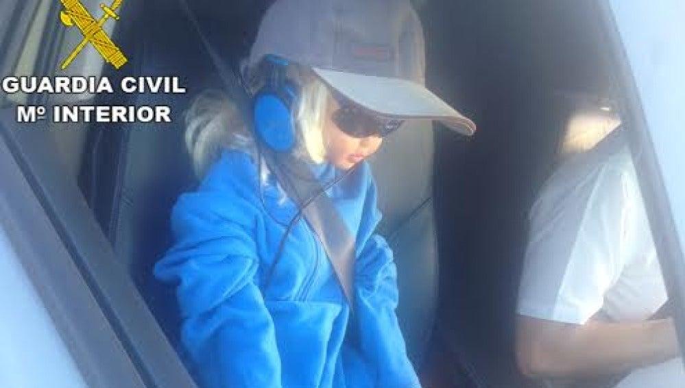 Muñeca que el conductor llevaba como copiloto para poder circular por el BUS VAO de la A6