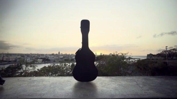 """El """"Dúo del mar"""", la convergencia entre la guitarra clásica y el flamenco"""