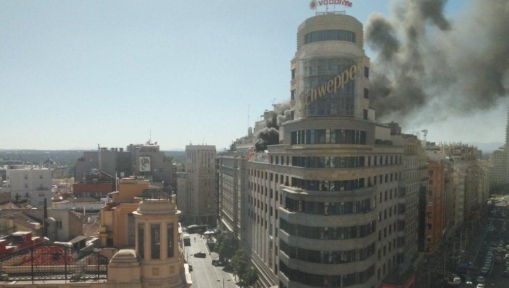 Un incendio en el edificio Capitol de Gran Vía