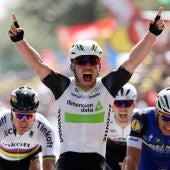 Mark Cavendish celebra su victoria en la etapa del Tour