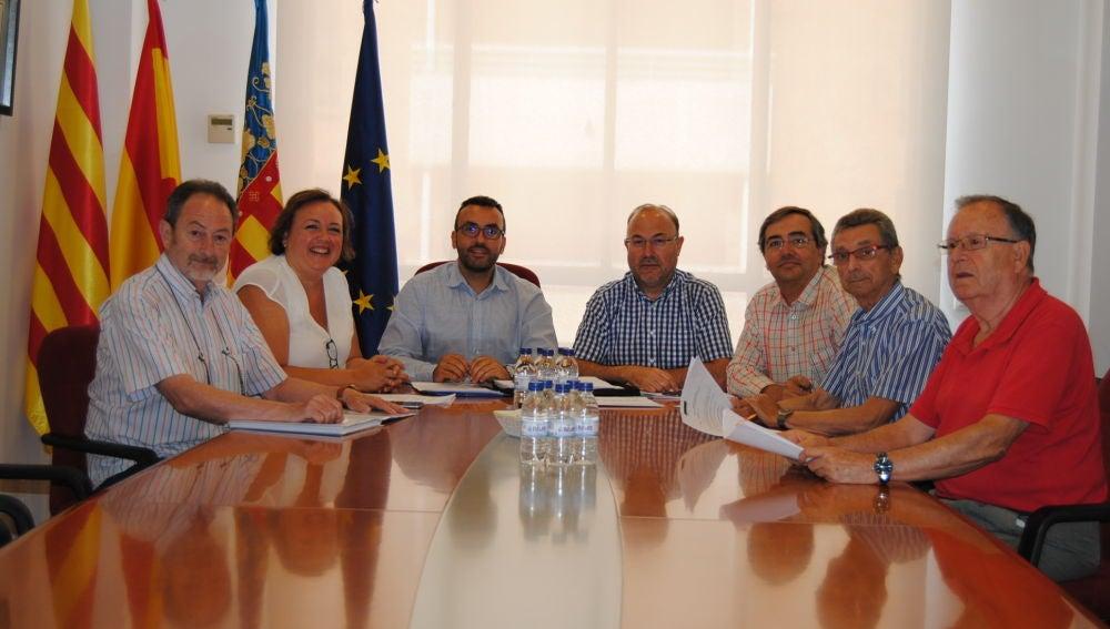 Reunió de l'alcalde de Vila-real, José Benlloch, i el concejal de Territorio, Emilio M. Obiol, amb l'Associació de Transportistes de Vila-real.