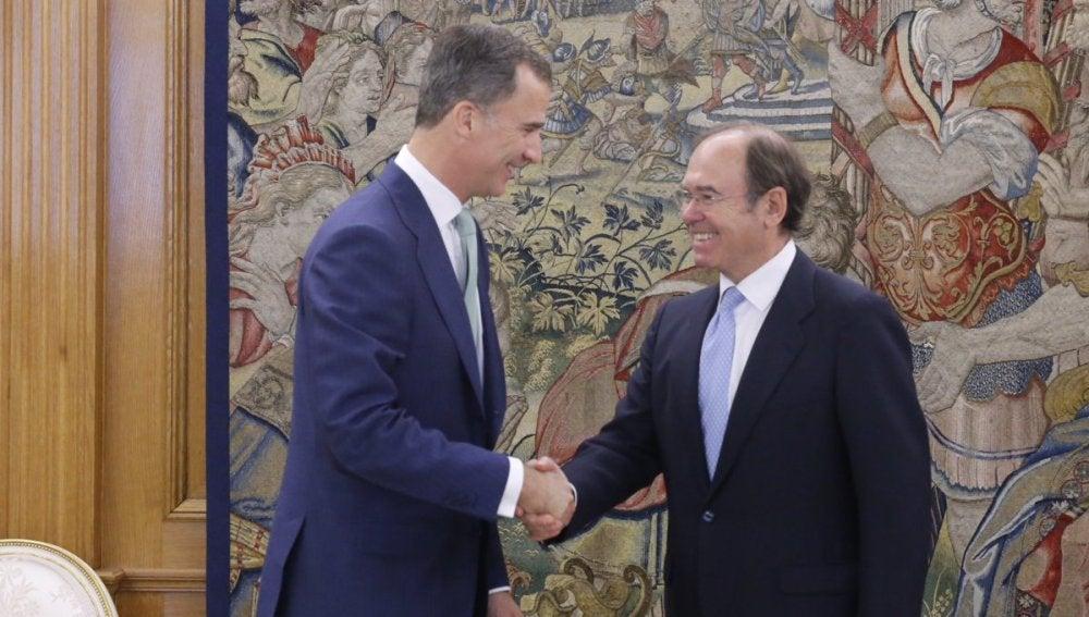 El Rey recibe a García Escudero en la Zarzuela