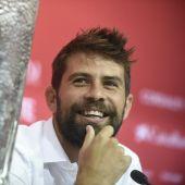 Coke se despide entre lágrimas del Sevilla.
