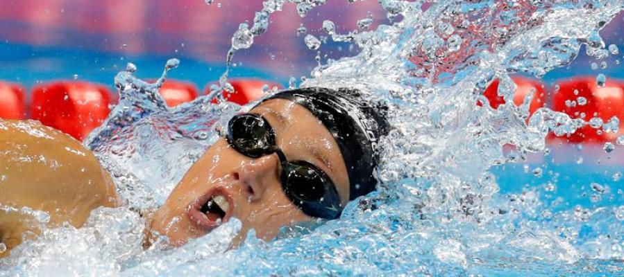 La atleta española Mireia Belmonte participa la competencia 400m libres
