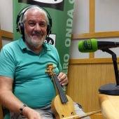 Mario González el Jilguerín de Casares en Onda Cero con su Rabel