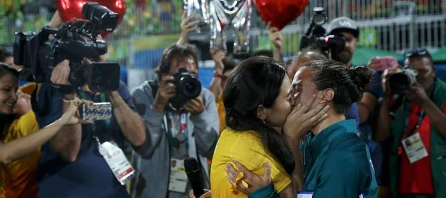 La jugadora de Rugby, Isadora Cerullo con su novia