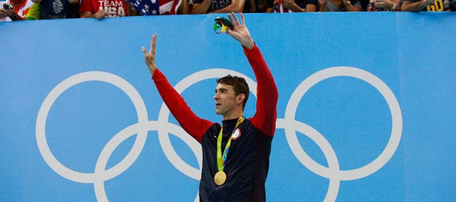 Michael Phelps celebrando el oro en los 200 estilo