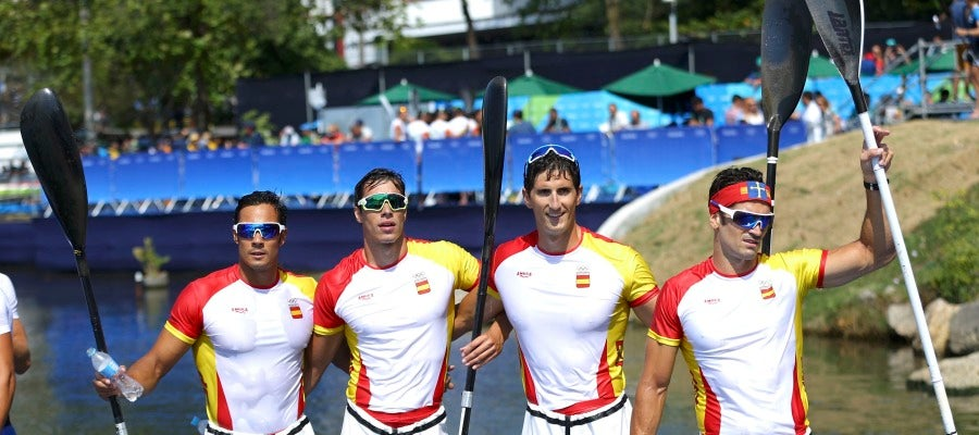 El equipo de K4 1.000 español, tras la carrera