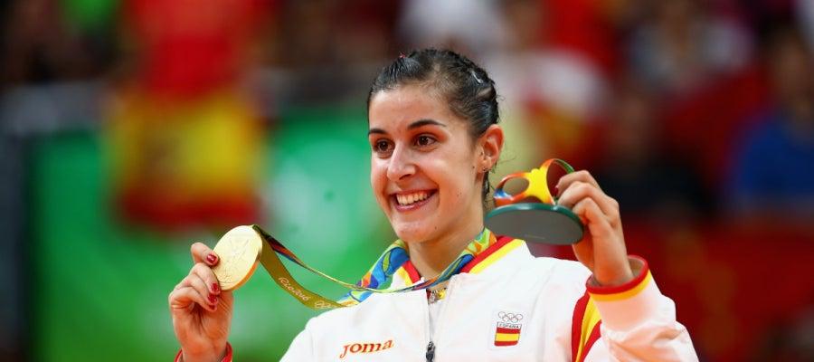 Carolina Marín luce su oro