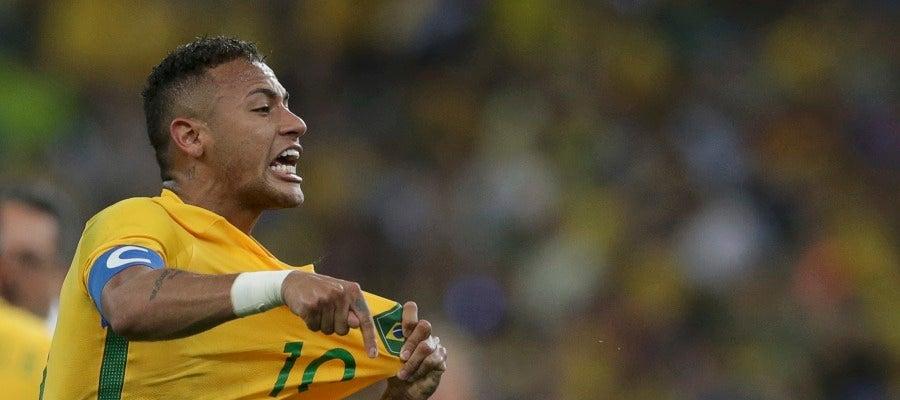 Neymar celebra su gol contra Alemania en la final olímpica