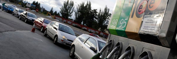 El IPC registra la menor del año, debido a la menor bajada de los precios de los carburantes y al alza de la electricidad.