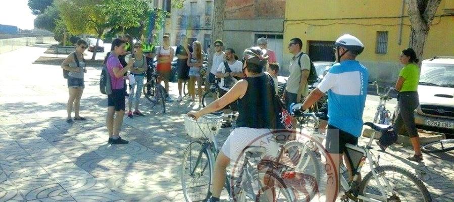 La temática que en esta ocasión ha decidido repasar el recorrido que se realizará en bicicleta se ha centrado este año en la parte comercial e industrial de la historia de la ciudad
