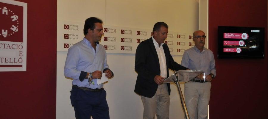 El presidente de la Diputación en funciones, Vicent Sales, ha hecho balance junto al vicepresidente de turismo, Andrés Martínez, y el diputado de Deportes, Luis Martínez, han realizado el balance.