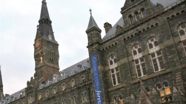 """Guillermo Fesser: """"Los campus universitarios norteamericanos están perdiendo mucho dinero por las políticas de educación de Trump"""""""