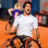 El tenista paralímpico, Daniel Caverzaschi.