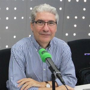 Casimiro García -Abadillo en los estudios de Onda Cero