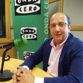 Paco Castañón en los micrófonos de Onda Cero León