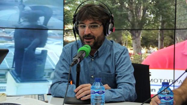 """Jordi Évole: """"Siempre veo el programa solo, me da vergüenza verlo con gente"""""""