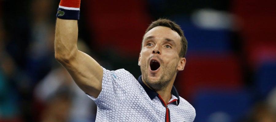 El tenista español Roberto Bautista celebra el triunfo