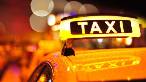 Mesa de redacción: Dos taxistas se niegan a llevar a un invidente con perro guía