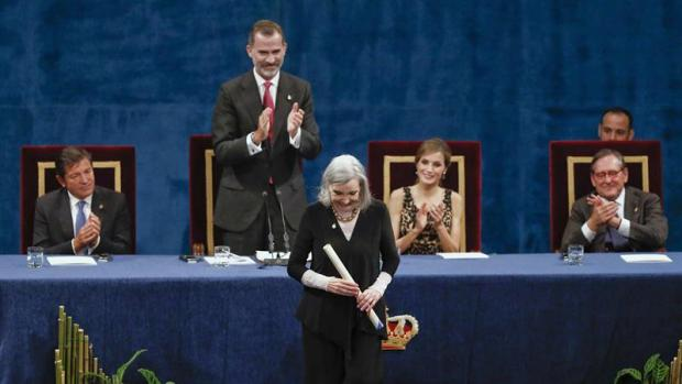 Núria Espert recoge su premio Princesa de Asturias