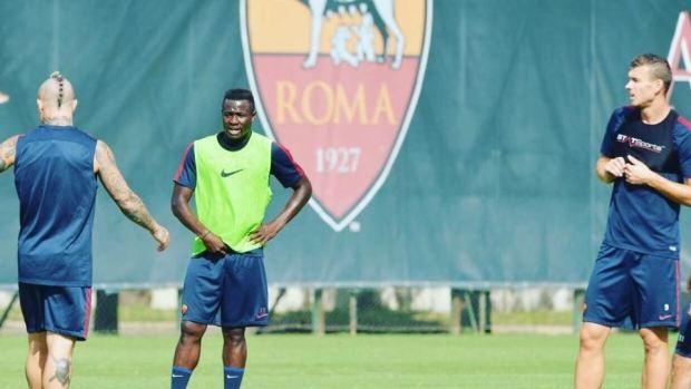 Joseph Bouasse Ombiogno Perfection, en un entrenamiento con la Roma