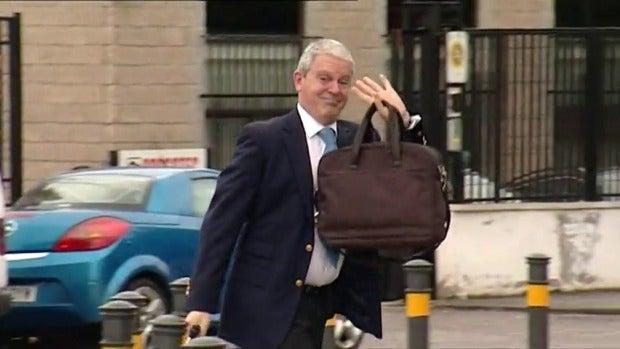 """Frame 27.562789 de: Miguel Durán, abogado de Pablo Crespo, pide """"respetar la presunción de inocencia de su cliente"""""""