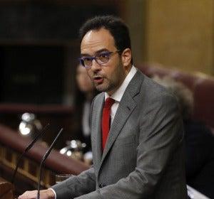 """Hernando: """"Para pactarlo todo tendrá usted que dejar de ser Rajoy"""""""