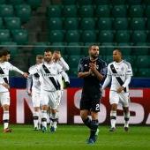 Los jugadores del Legia celebran un gol ante el Real Madrid