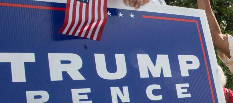Cartel de 'Vota a Trump'