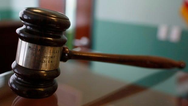 Un juez de EEUU declara inocente a un hombre tras pasar 20 años en la cárcel acusado de intento de asesinato