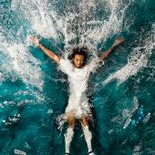 Campaña promocional de Marcelo con la camiseta reciclada