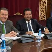 El presidente de la Diputación, Javier Moliner, confía en seguir la vía de diálogo abierta con la oposición.