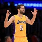 Jose Manuel Calderón en un partido con los Lakers