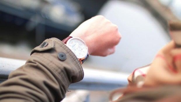 Mesa de redacción: El 64% de los españoles reconoce que llega tarde siempre