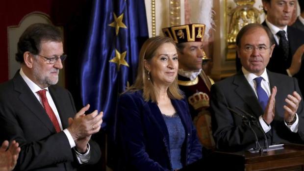 """Ana Pastor: """"No puede cambiarse la Constitución para que sea sólo de algunos"""""""