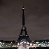 La torre Eiffel, sin luz en solidaridad con Alepo