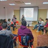 El encuentro ha contado con jóvenes, técnicos y concejales de juventud de la Vall de Alba, Canet Lo Roig, La Sierra Engarcerán, Vilafamés y Atzeneta.