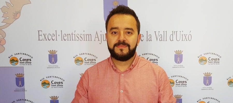 El concejal del área y primer teniente de alcalde, Antoni Llorente, ha presentado la campaña 'En 2017 els Reis Mags visiten totes les cases de la Vall'.