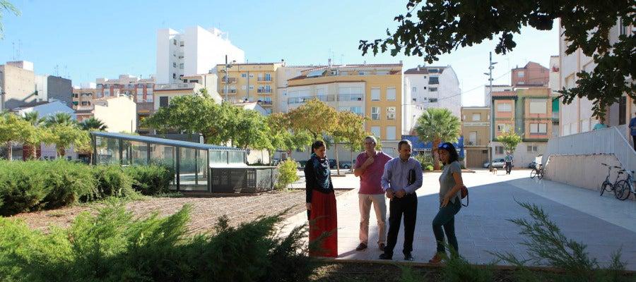 La concejala de Sostenibilidad, Sara Usó, ha destacado que se han realizado mejoras en la infraestructura y servicios de muchos espacios verdes de la ciudad.